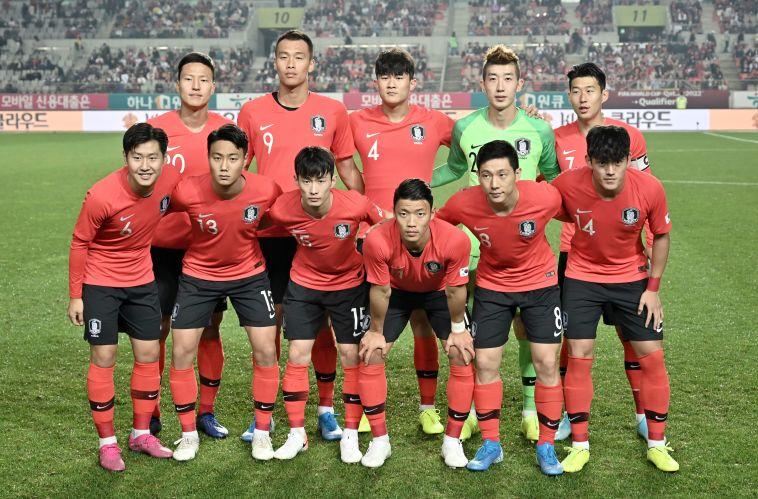 איך ייגמר הדרבי ההיסטורי? נבחרת דרום קוריאה לפני המשחק נגד סרי לנקהJUNG YEON-JE/AFP via Getty Images)