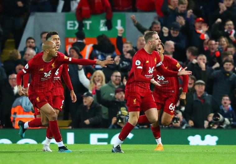 שחקני ליברפול חוגגים. הניצחון הגיע להם ב-100% (Alex Livesey/Getty Images)