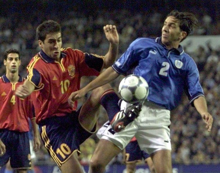השווה את התוצאה בתיקו המדהים. ראול הצעיר נגד הנבחרת (PIERRE-PHILIPPE MARCOU/AFP via Getty Images)