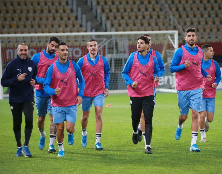 נבחרת ישראל באימון. להביא לכאן קבוצות ונבחרות (אודי ציטיאט)