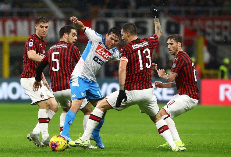 משחק עיקש מאוד, שנגמר בחלוקת נקודות בין מילאן לנאפולי (Marco Luzzani/Getty Images)