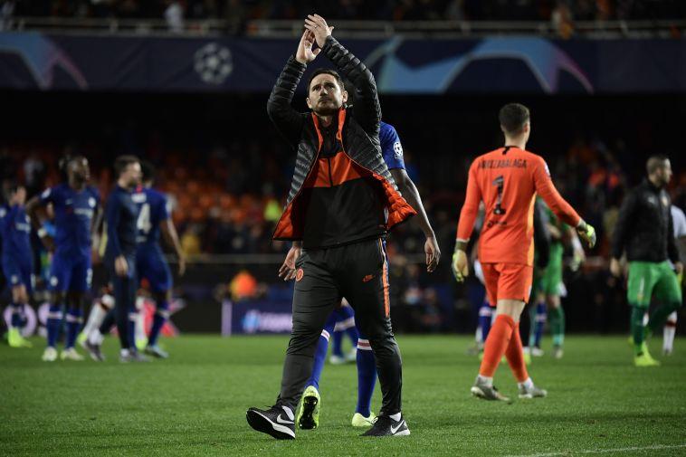 למפארד מודה לקהל. הקבוצה שלו שיחקה היטב (JAVIER SORIANO/AFP via Getty Images)