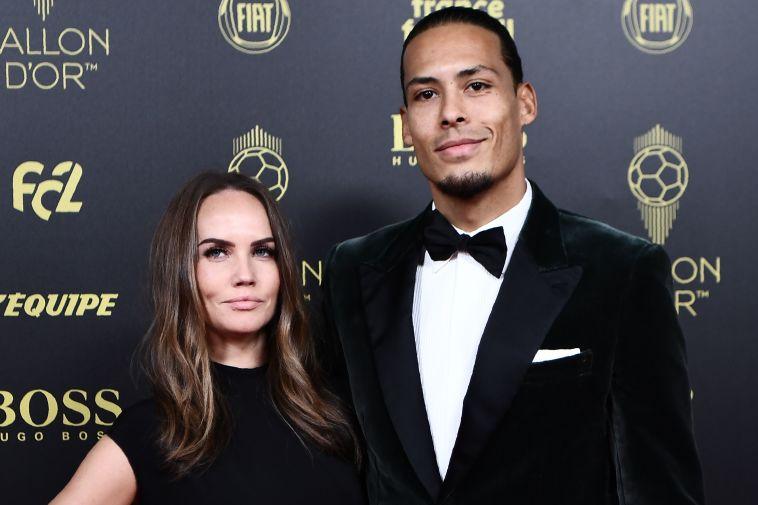 ואן דייק עם אשתו ריקה נויחדאכט. יגנוב ממסי את התואר (ANNE-CHRISTINE POUJOULAT/AFP via Getty Images)
