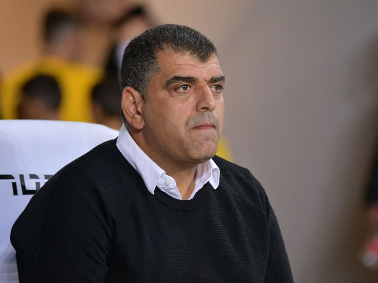 """""""אם שחקנים צריכים שמאמן יעמוד ויצעק, מצבם גרוע מאוד"""". שי ברדה (אריאל שלום)"""