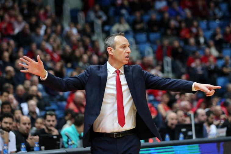 עודד קטש. האדומים הבטיחו מקום בשמינית הגמר (FIBA)