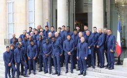 נבחרת צרפת מקבלת עיטור כבוד