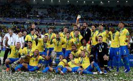 שחקני נבחרת ברזיל חוגגים